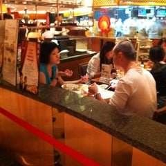 Photo taken at Din Tai Fung 鼎泰豐 by Kei H. on 6/22/2012