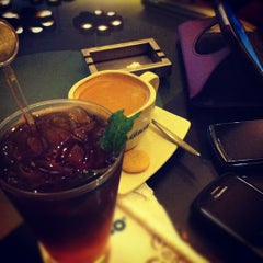 Photo taken at de`EXCELSO by Ayu N. on 7/6/2012