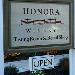 Photo taken at Honora Winery by Kelli G. on 10/6/2011