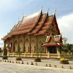 Photo taken at วัดหลวงพ่อโอภาสี (สวนอาศรมบางมด) Wat Luang Por Opasee by Sira N. on 3/10/2012