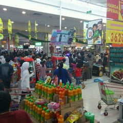 Photo taken at Carrefour by Novriadi S. on 8/18/2012