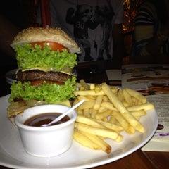 Photo taken at BemDito Steaks & Burgers by Biel N. on 5/27/2012