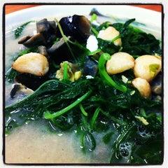 Photo taken at Kok Sen Restaurant by Winston T. on 9/4/2012