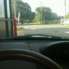 Photo taken at Dunkin' Donuts by Gilbert F. on 8/9/2012