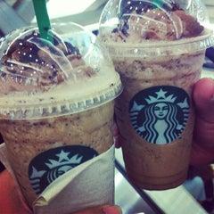 Photo taken at Starbucks (สตาร์บัคส์) by Duangrat P. on 5/22/2012