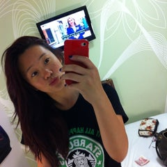 Photo taken at Tune Hotels Westminster by Chewyee K. on 7/19/2012