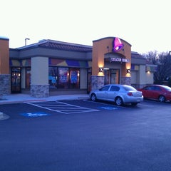 Photo taken at Taco Bell by Daniel X. on 12/3/2011