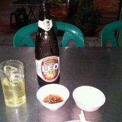 Photo taken at มิตรเพชรเกษมโภชนา by หม่องเหี่ยว ร. on 12/24/2011