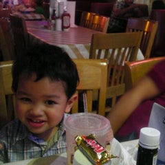 Photo taken at Big House Burgers by Angellove O. on 5/18/2012