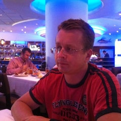 Photo taken at The Oceanaire Seafood Room by Eva W. on 9/30/2011