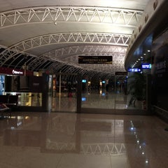 Photo taken at Ningbo Lishe International Airport (NGB) 宁波栎社国际机场 by German A. R. on 3/5/2012