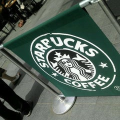 Photo taken at Starbucks by Ariel R. on 6/20/2012