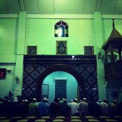 Photo taken at Masjid Al-Hasanah by Ehsan Hanafi on 2/9/2012