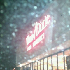 Photo taken at Winn-Dixie by My Coupon D. on 9/30/2011