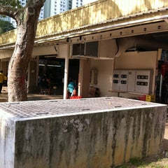 Photo taken at Upper Boon Keng Road Market & Food Centre by Jeffry L. on 4/26/2011