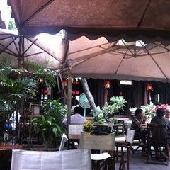 Photo taken at Xưa & Nay Cafe by Vu V. on 11/25/2011