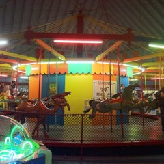 Photo taken at Sylvan Beach Amusement Park by Lloyd Jason P. on 9/3/2011