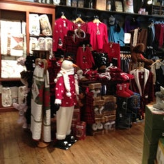 Photo taken at Cracker Barrel Old Country Store by Jamie H. on 11/27/2011