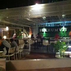 Photo taken at Sukhumvit Restaurant by Rizuwan Zaini on 3/18/2012