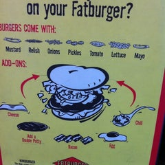 Photo taken at Fatburger by ❤Ƙҽ  ժ. on 6/16/2011