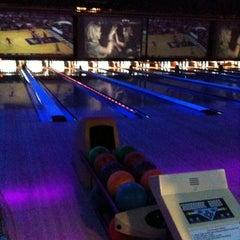 Photo taken at 10Pin Bowling Lounge by BTRIPP on 2/12/2012