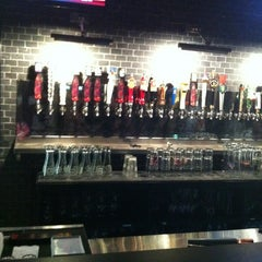 Photo taken at Taps Wine & Beer Eatery by Erick O. on 7/4/2012