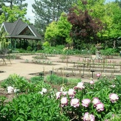 Photo taken at Denver Botanic Gardens by Fel M. on 5/30/2012