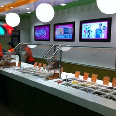 Photo taken at 16 Handles by Eli S. on 8/26/2012