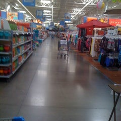 Photo taken at Walmart Supercenter by Amanda L. on 4/22/2012