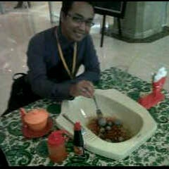 Photo taken at De Cafe (Ruko Bandar) by nurul b. on 2/1/2012