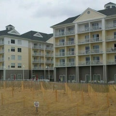 Photo taken at Hilton Garden Inn Outer Banks/Kitty Hawk by James L. on 6/5/2011