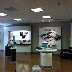Photo taken at Verizon by Sonney P. on 1/26/2012