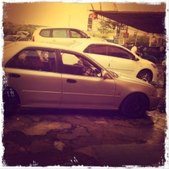 Photo taken at Carwash Sri Muda by Running man™ on 3/24/2012