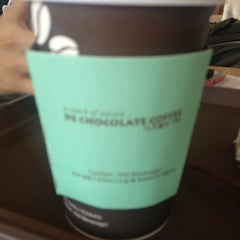 Photo taken at DE CHOCOLATE COFFEE by dayoung l. on 3/24/2012
