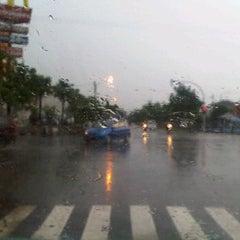 Photo taken at Perempatan Yakaya by Denny K. on 12/24/2011