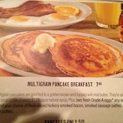 Photo taken at Cracker Barrel Old Country Store by Linda B. on 8/4/2012