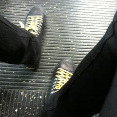 Photo taken at MTA Bus - B62 by Graham S. on 10/15/2011