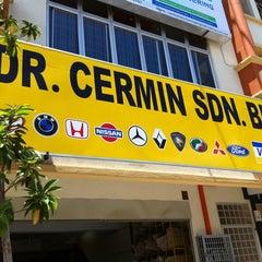 Photo taken at Dr Cermin Puchong Utama by Ady R. on 3/27/2011