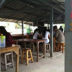 Photo taken at น้าไพโภชนา by Woraphot H. on 12/17/2011