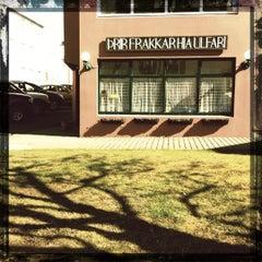 Photo taken at Þrír Frakkar by Matthias Arni I. on 4/20/2012