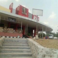 Photo taken at KFC by Henny n. on 8/20/2011