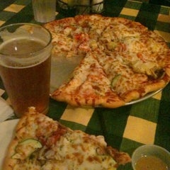 Photo taken at The Gourmet Pizza Shoppe by Robert P. on 8/21/2011