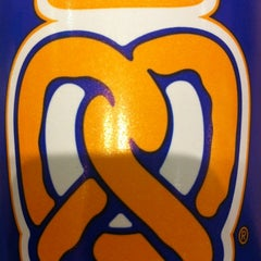 Photo taken at Auntie Anne's by Spenser H. on 8/28/2012