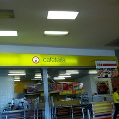 Photo taken at Centro Comercial Éxito 51B by luis Felipe L. on 7/26/2012