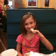 Photo taken at Willy's Mexicana Grill #20 by Lee T. on 11/22/2011