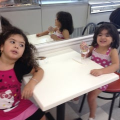 Photo taken at Mark's Homemade Ice Cream by Erick R. on 8/12/2012