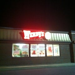 Photo taken at Wendy's by Lynn on 8/17/2012