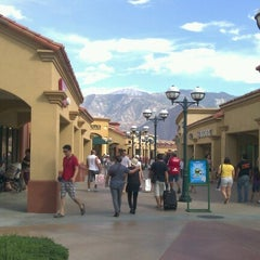 Photo taken at Desert Hills Premium Outlets by rhoderick m. on 8/13/2012