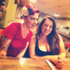 Photo taken at Twig and Leaf by Ryan A. on 9/4/2012