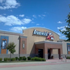 Photo taken at Brunswick Zone XL - Naperville by Maribeth R. on 8/11/2012